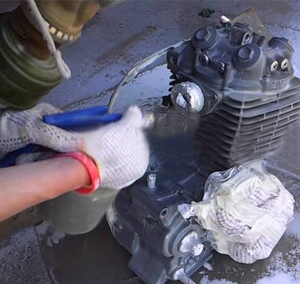 Пескоструй деталей мотоцикла